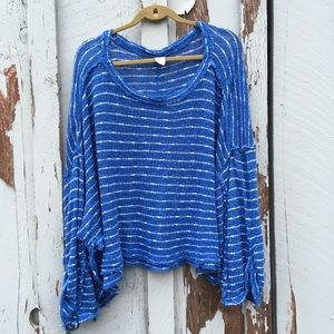 We The Free Top M Loose Knit Oversized Square Raw